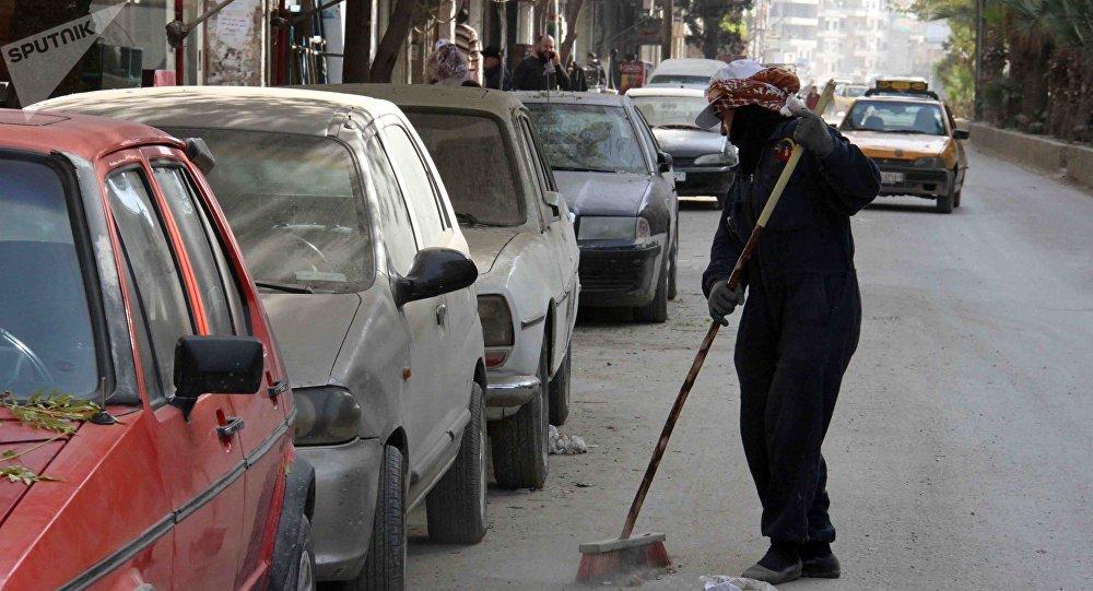 عاملات نظافة في شوارع دمشق - أم محمود