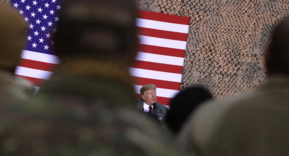 ترامب في قاعدة عسكرية أمريكية بالعراق