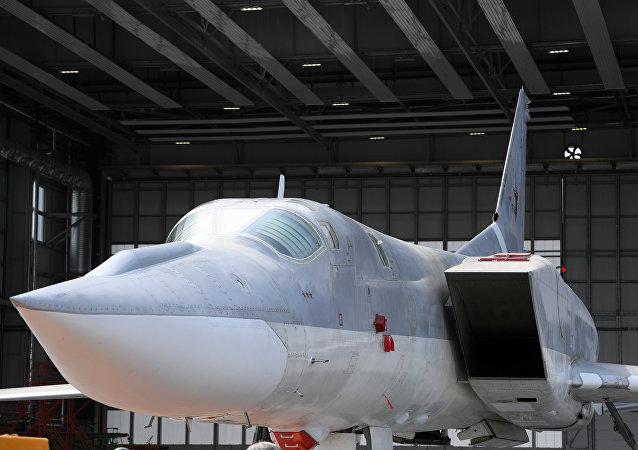 قاذفة القنابل والصواريخ تو-22إم3إم