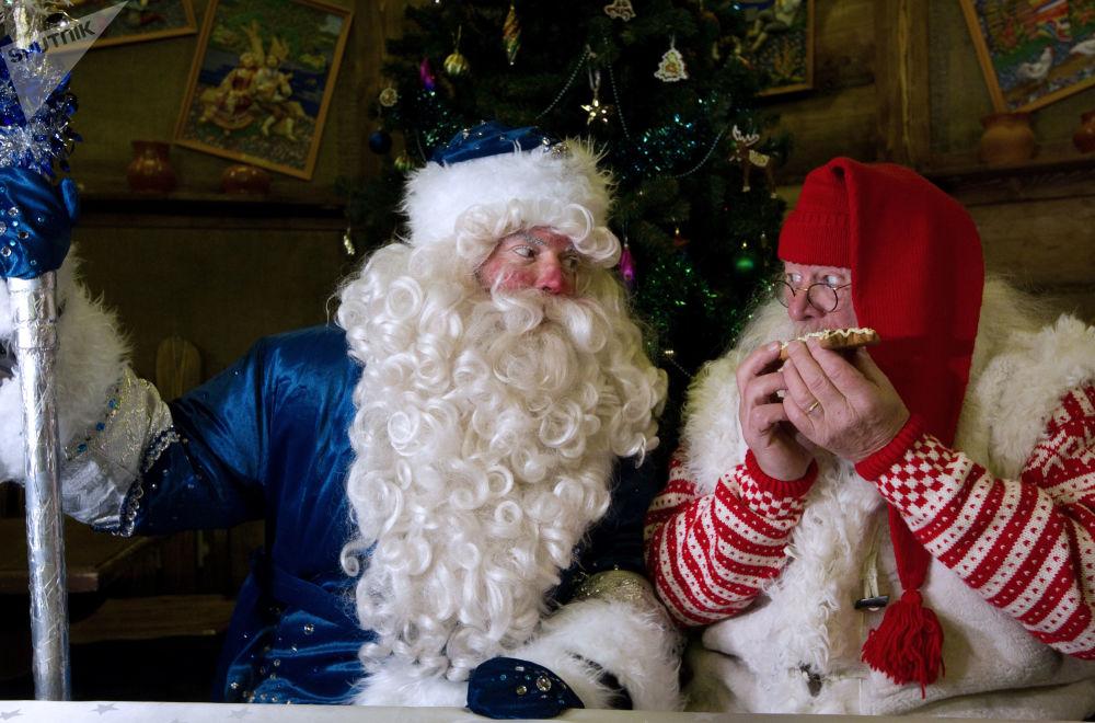 بابا نويل الروسي يلتقي نظيره النرويجي في كرملين إزمايلوفو، موسكو