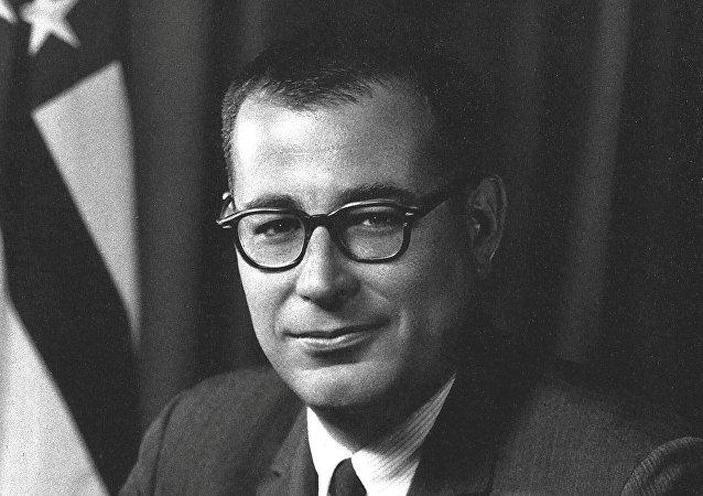وزير الدفاع الأمريكي الأسبق هارولد براون