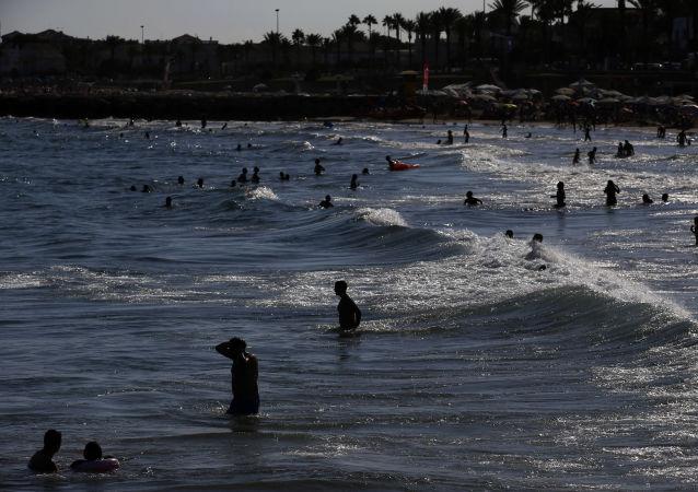 شاطئ سيدجيس، إسبانيا