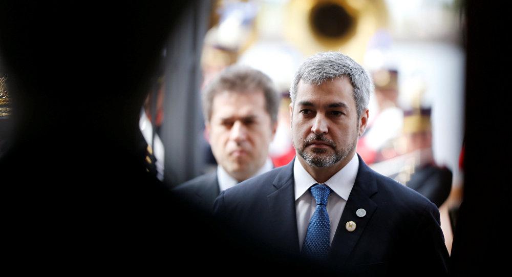 رئيس باراغواي ماريو عبده بينيتيز يصل إلى قمة كتلة التجارة ميركوسور في مونتيفيديو