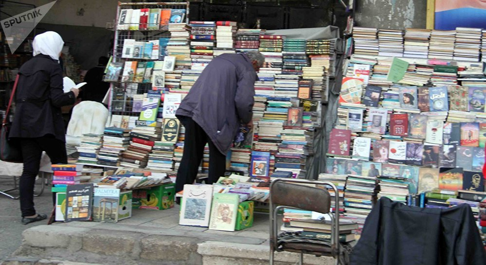 في سوق الوراقين الدمشقي... الكتاب يحيا من جديد