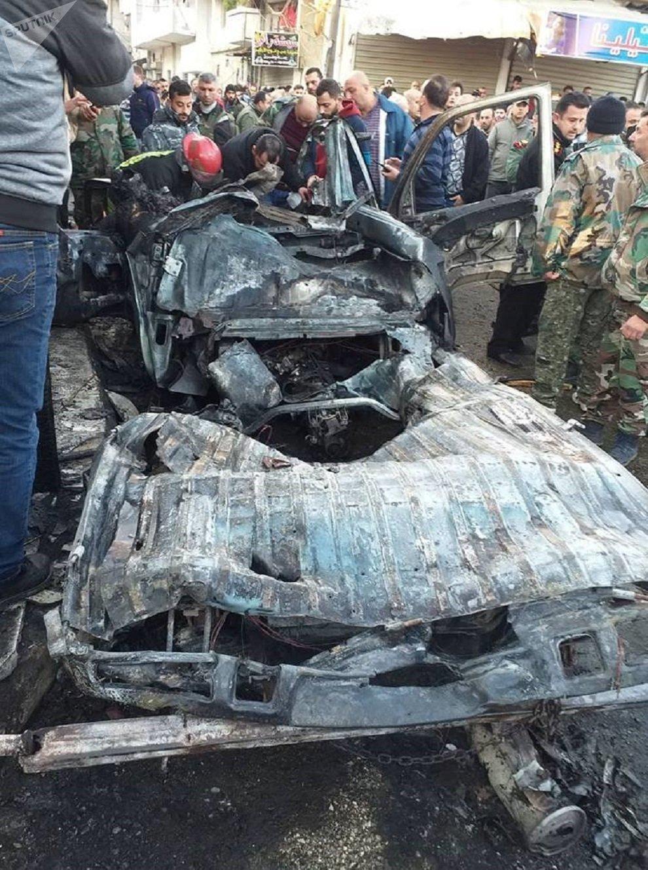 سيارة النقل التي انفجرت في ساحة الحمام باللاذقية