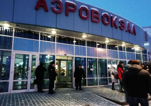 قيام الطائرة الروسية رحلة رقم SU1515 بهبوط اضطراري في خانتي مانسيسك، روسيا 22 يناير/ كانون الثاني 2019
