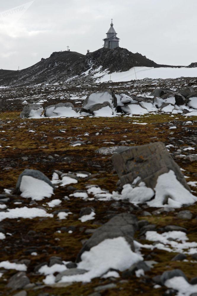 كنيسة الثالوث الأقدس على جزيرة واترلو في أنتاركتيكا
