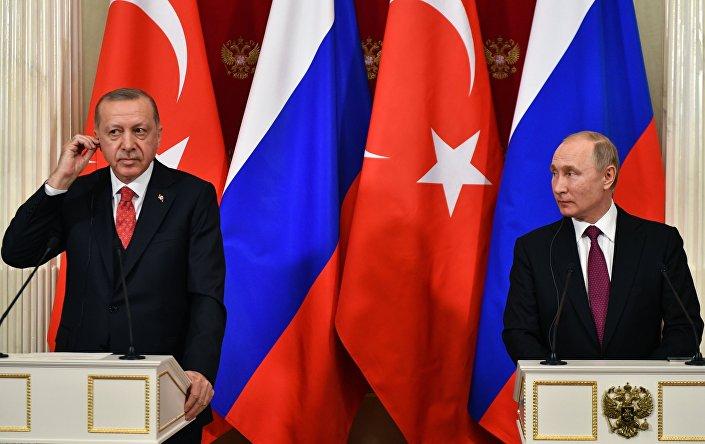 لقاء الرئيسين الروسي بوتين والتركي أردوغان