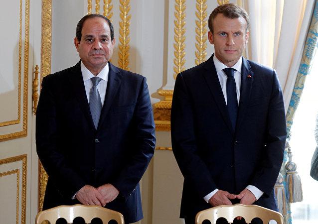 الرئيس الفرنسي إيمانويل ماكرون والرئيس المصري عبدالفتاح السيسي في قصر إلزيه في باريس، فرنسا، 24 أكتوبر/ تشرين الأول 2017
