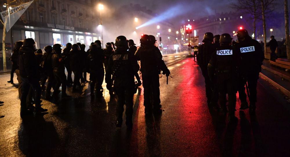 استمرار احتجاجات السترات الصفراء في باريس، فرنسا يناير/ كانون الثاني 2019