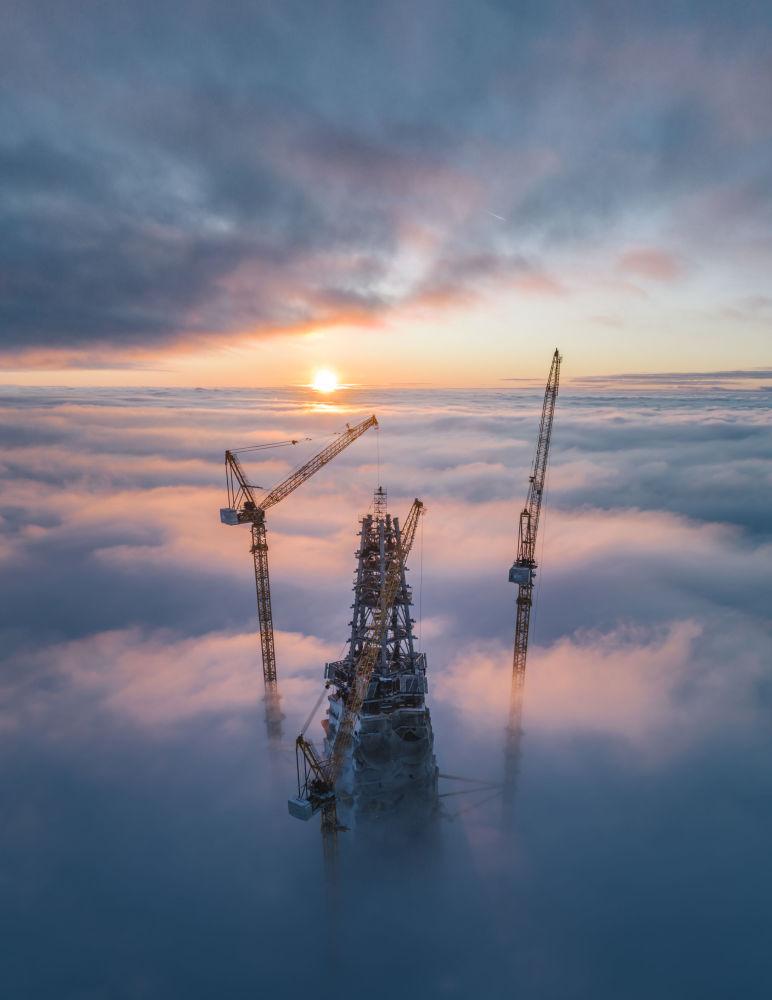 صورة Sunset above the skyscraper - الصورة التي فازت في المسابقة