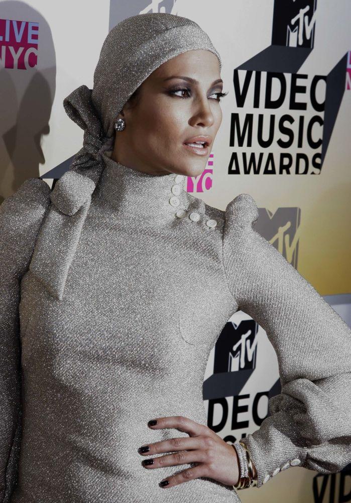 المغنية جينيفر لوبيز تصل إلى حفل توزيع جوائز 2006 MTV Video Music Awards في نيويورك، 31 أغسطس / آب 2006