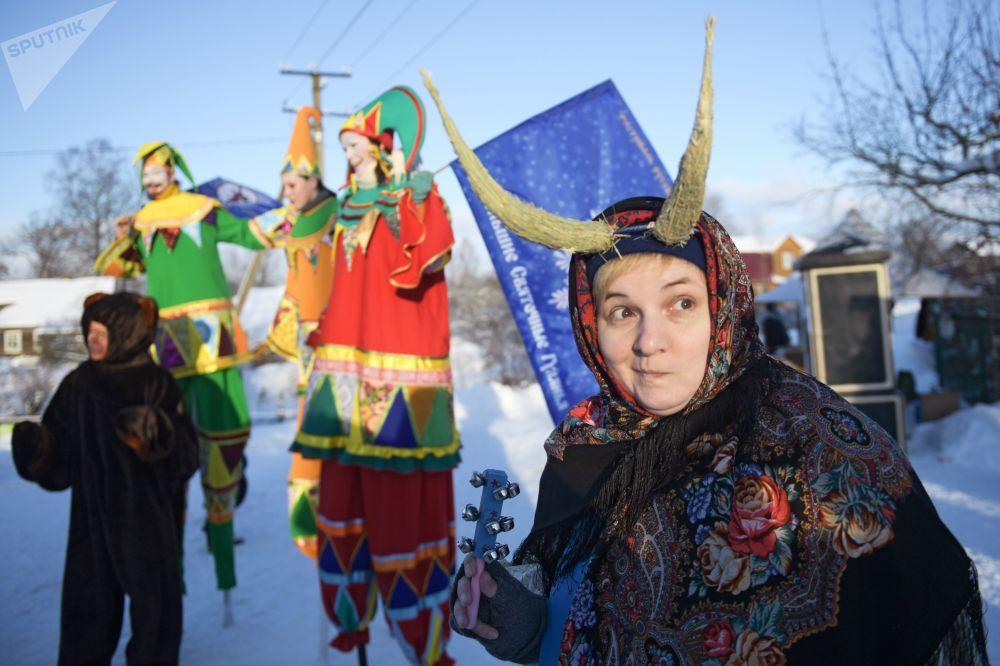 مهرجان بولشي سفياتوتشني غوليانيا ف منطقة لينينغراد الروسية