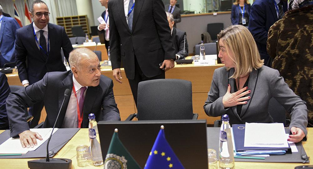 الأمين العام لجامعة الدول العربية، أحمد أبو الغيط، و الممثلة العليا للشؤون الخارجية في الاتحاد الأوروبي، فيديريكا موغيريني، 4 فبراير/ شباط 2019