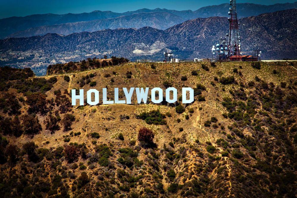 شعار هوليوود في في لوس أنجلوس الأمريكية
