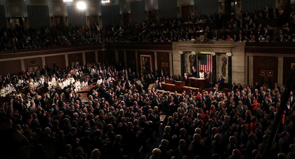 الرئيس الأمريكي دونالد ترامب يلقي خطاب حالة الاتحاد الثاي له، أمام الكونغرس الأمريكي في قاعة مجلس النواب في الكابيتول الأمريكي في كابيتول هيل في واشنطن، الولايات المتحدة في 5 فبراير/ شباط 2019