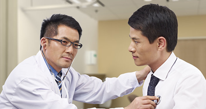 طبيب ومريض