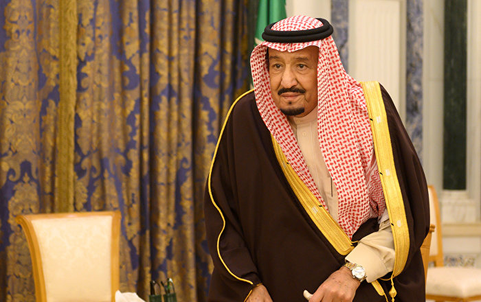 جولة-للملك-سلمان-بصحبة-الأمير-خالد-الفيصل-وهذا-ما-شاهده-(فيديو)