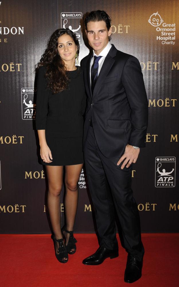 لاعب تنس الإسباني رافاييل نادال وخطيبته ماريا فرانتشيسكا بيريللو