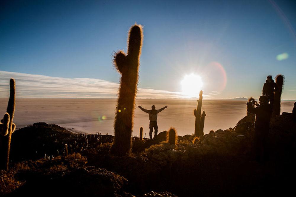 سالار دو أويوني (بالإسبانية Salar de Uyuni) هو أكبر مجمع ملح في العالم يقع في مرتفعات ألتيبلانو جنوب غرب بوليفيا