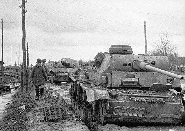الحرب الوطنية الكبرى (1941 - 1945). دبابات ألمانية مدمرة