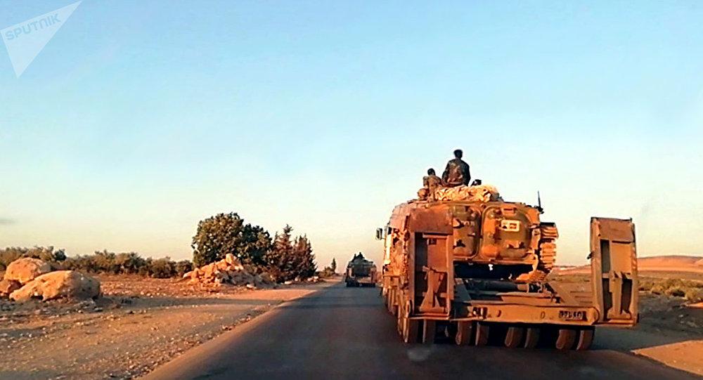 الجيش السوري يدفع بتعزيزات ضاربة نحو إدلب