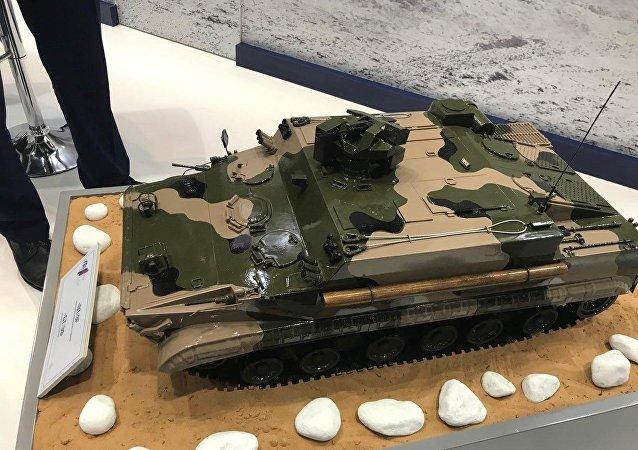 جيل جديد من ناقلات الجنود المدرعة بي تي 3 إف الروسية في آيدكس