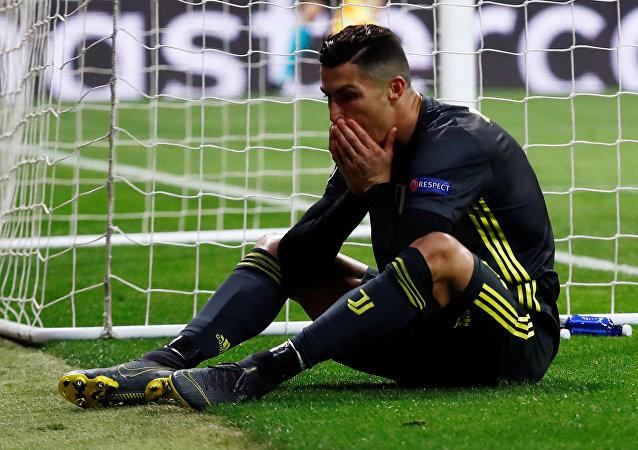 كريستيانو رونالدو خلال مباراة يوفنتوس وأتلتيكو مدريد في ذهاب ثمن نهائي دوري أبطال أوروبا