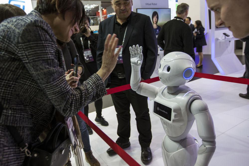 روبوت XR-1 5G في المؤتمر العالمي للموبايل 2019 في برشلونة، إسبانيا 25 فبراير/ شباط 2019