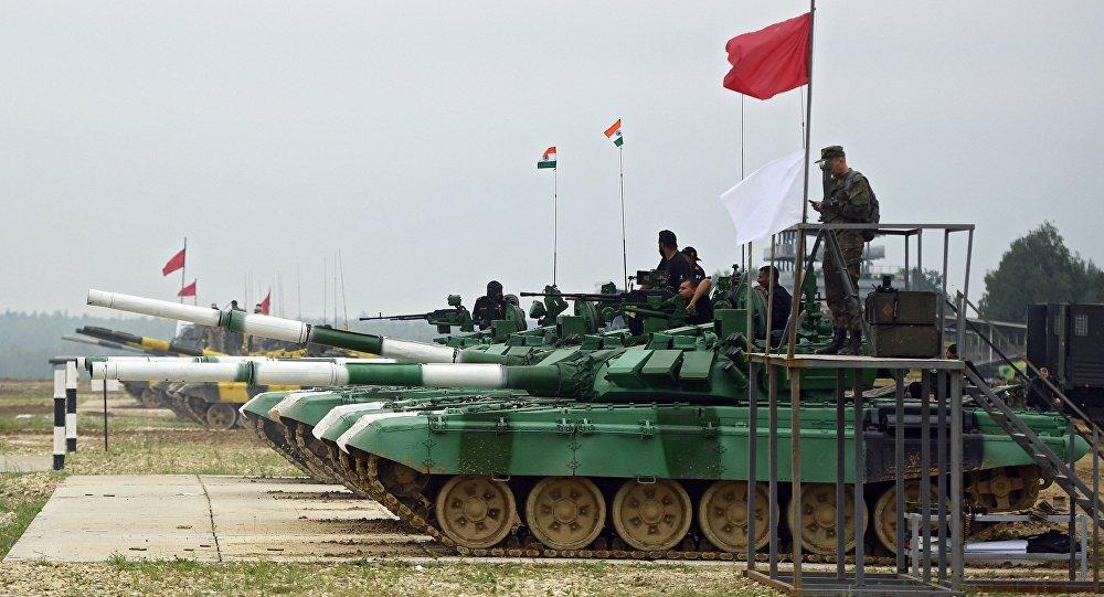 دبابات تابعة للجيش الهندي