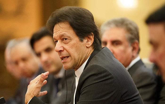 عمران خان يوجه رسالة لأمريكا وإيران: الحرب ليست حلا