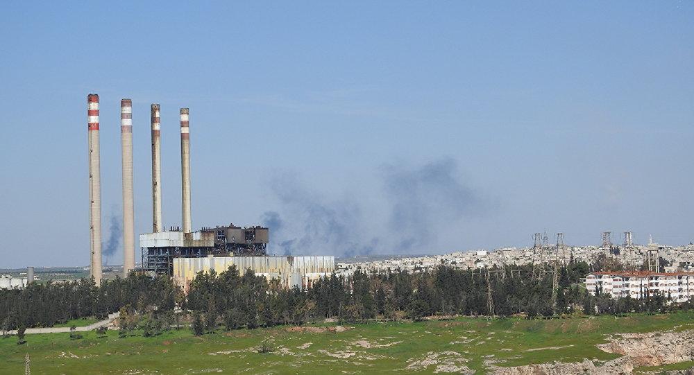 إخماد حريق ضخم في أكبر محطة كهربائية وسط سوريا بعد استهدافها بصواريخ (النصرة)
