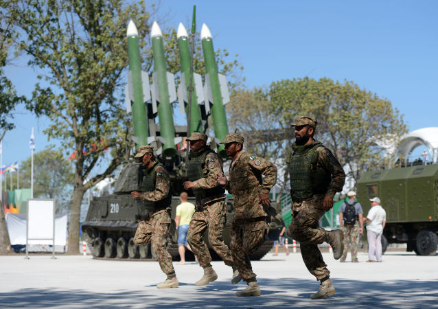 تصاعد التوتر بين الهند و باكستان - جنود الجيش الباكستاني