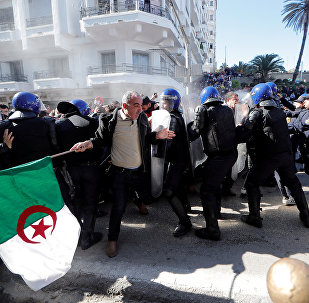 احتجاجات ضد ترشح بوتفليقة في الجزائر