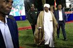 الرئيس السوداني عمر البشير يغادر بعد إلقاء خطابه في قصر الرئاسة في الخرطوم