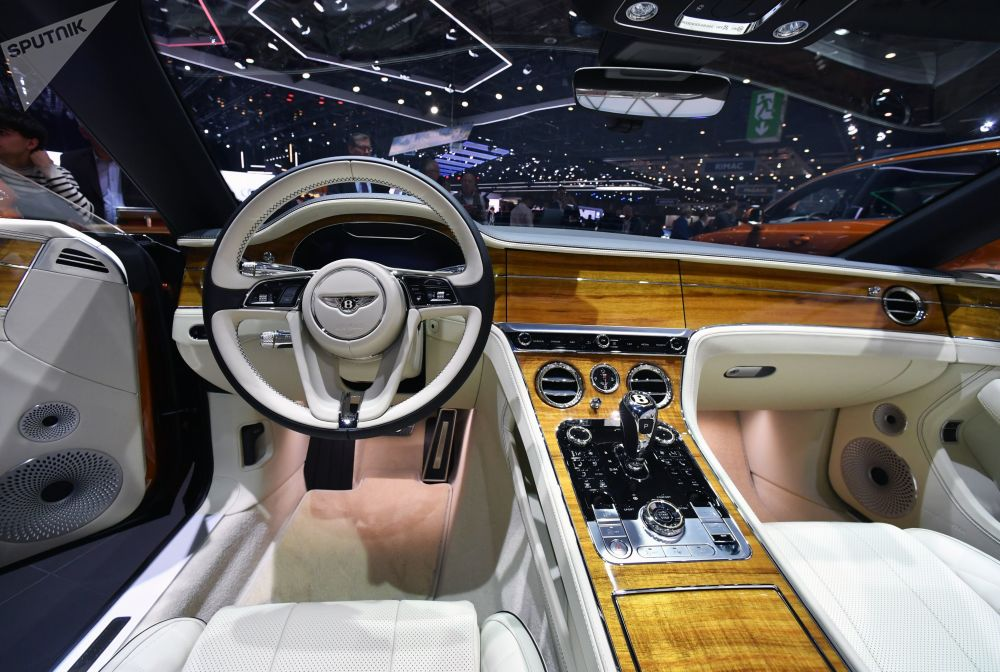 معرض جنيف الدولي للسيارات لعام 2019 - عرض سيارة Bentley