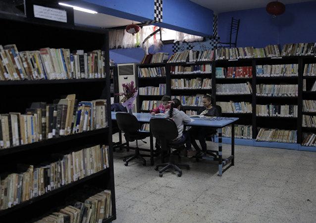 دمشق التبادلية: ضع كتاب وخذ آخر...100 ألف كتاب في أضخم مكتبة مدرسية عربية