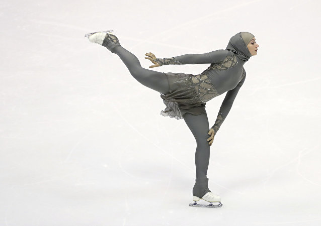 المتزلجة زهرة لاري