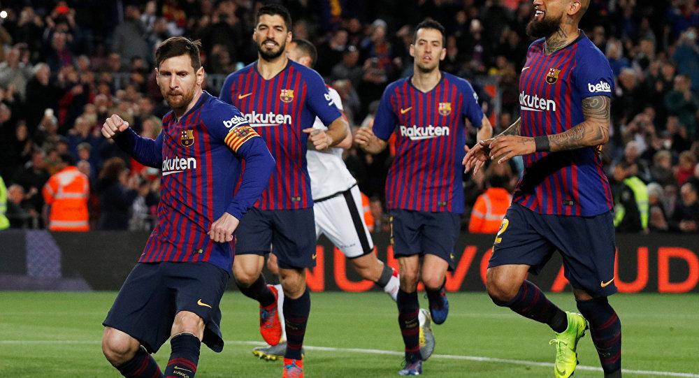 ليونيل ميسي خلال مباراة برشلونة وايو فاليكانو