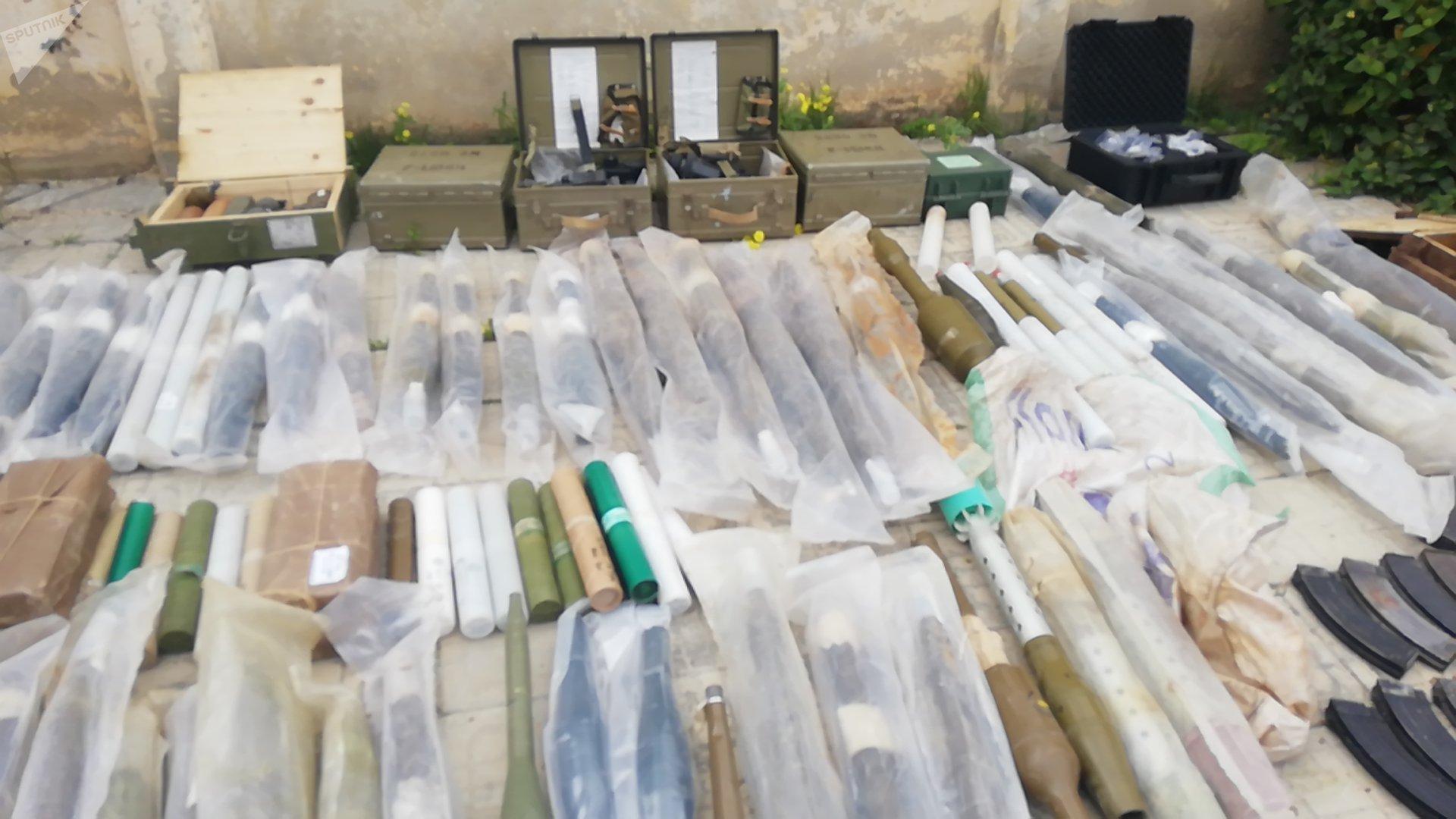 العثور على أسلحة و ذخائر رشاشة في ريف درعا