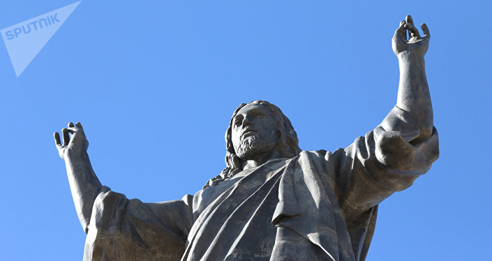 أكبر تمثال للسيد المسيح في العالم العربي يعتلي أعلى قمم القلمون شمال دمشق
