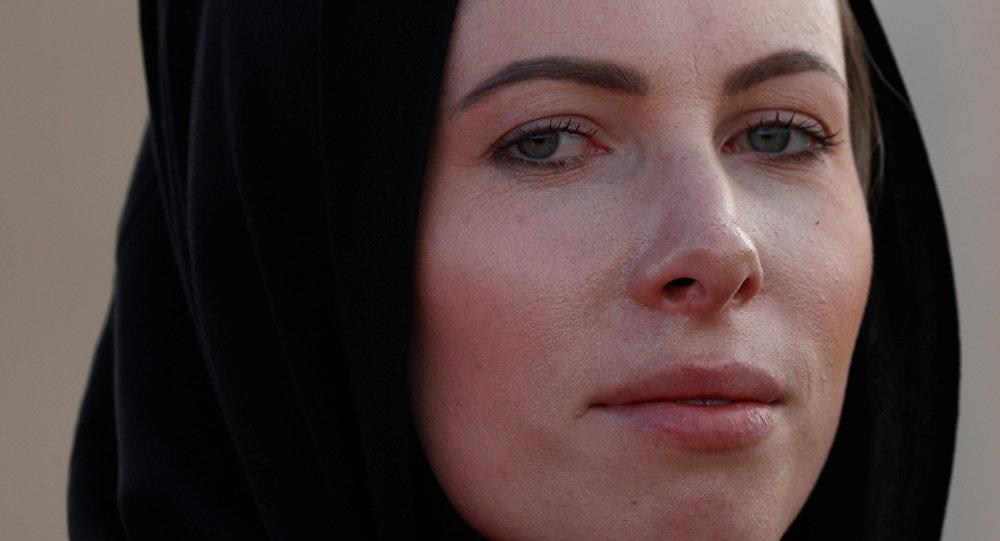 شرطية في نيوزيلندا ترتدي الحجاب تعاطفا مع ضحايا المذبحة