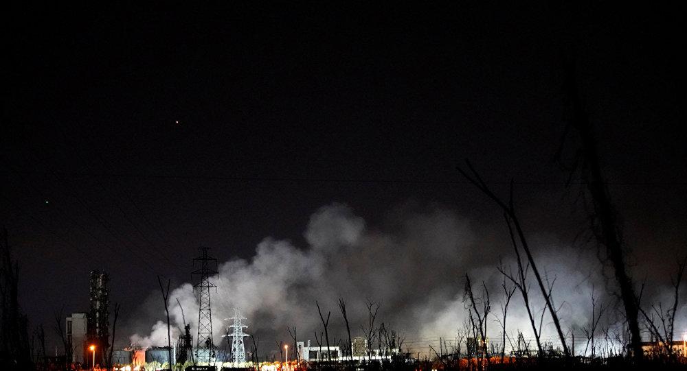 تصاعد الدخان من مصنع كيماويات في الصين
