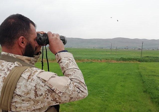 الجيش السوري بالقرب من الحدود الإدارية بين حماة وإدلب