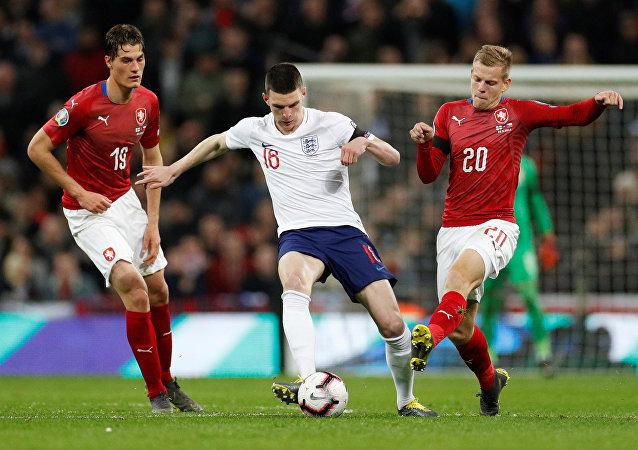 اللاعب الإنجليزي رايس ديكلان في مباراة بين  مع إنكلترا وجمهورية التشيك