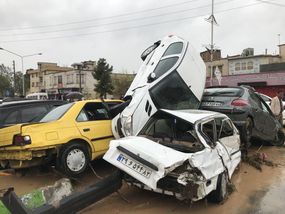 عواقب الفيضانات والسيول الهائلة  في مدينة شيراز الإيرانية، إيران 25 مارس/ آذار 2019