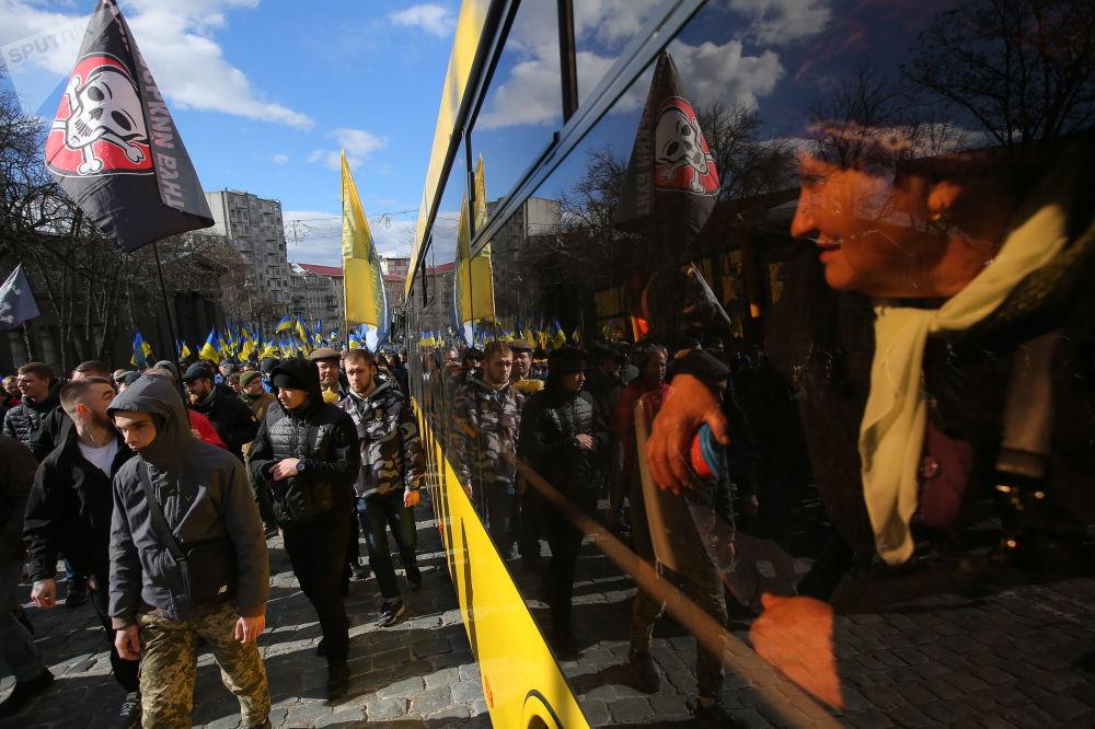 مسيرة المحتجين ضد الفساد في كييف