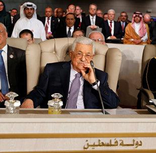 الرئيس الفلسطيني محمود عباس يحضر القمة العربية الثلاثين في تونس