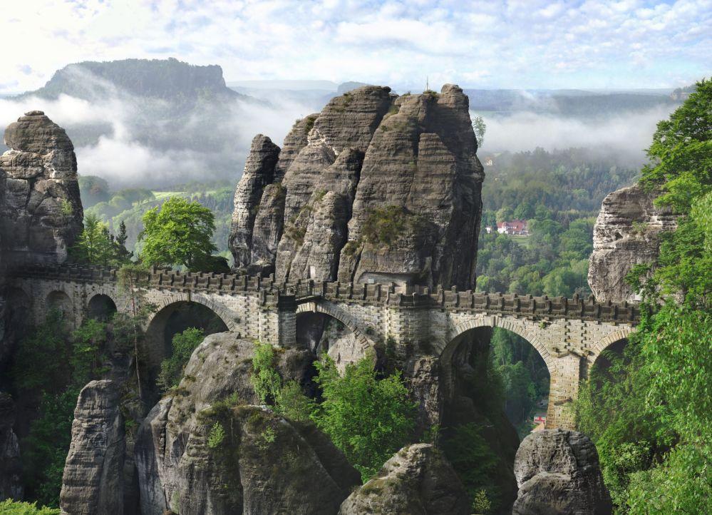 جسر باستى في ألمانيا
