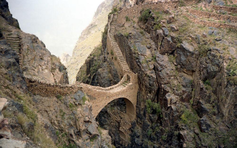جسر شهارة في اليمن